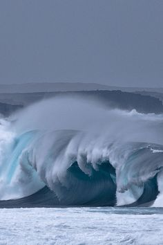 Waves by Aline Nédélec on Lanzarote Image Nature, All Nature, Water Waves, Sea Waves, Water 3, Sea And Ocean, Ocean Beach, Sky Sea, Fuerza Natural