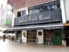 ! A Growing Teenager Diary Malaysia !: Yellow Brick Road Cafe Feelings @ Jalan Batai Dama...