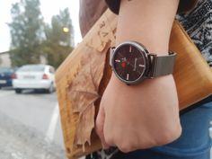 #CruzIgualAmor #RegalosCristianos #Relojes #Fe #Esperanza #Amor Tic Tac, Metal, Black, Amor, Christian Gifts, Clocks, Faith, Black People, Metals