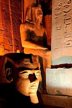 Discover the world through photos. Wonderful Places, Beautiful Places, Beautiful Scenery, Amazing Places, Ancient Egyptian Architecture, Statues, Luxor Temple, Valley Of The Kings, Ancient Civilizations