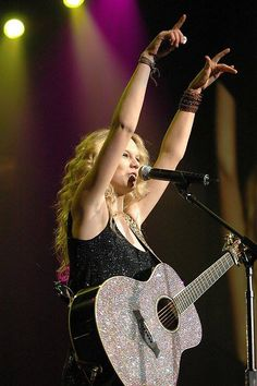 Everybody loves that sparkly guitar! (: