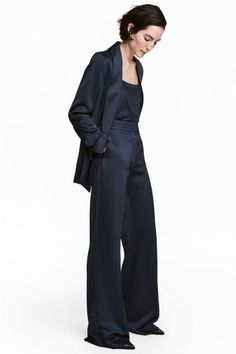 Satijnen kostuumpantalon - Donkerblauw - DAMES | H&M NL 1