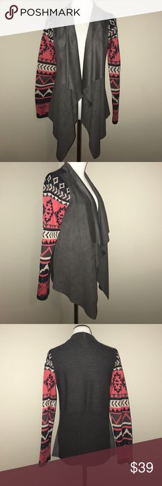 EUC Open Front Waterfall Draped Aztec Cardigan + Excellent condition | worn 1x + Flying Tomato brand | true size medium + Front draped part feels like suede while the back and arms feel more like a typical sweater + Shown with and without flash + Smoke free and pet free home 🏡 + NO TRADES 🚫  ✨ If you would like any additional photos or if you have any questions... please let me know! Flying Tomato Sweaters
