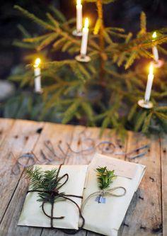 kuva Natural Christmas, Christmas Past, Christmas Fashion, Green Christmas, Christmas Wrapping, A Christmas Story, Christmas Colors, All Things Christmas, Christmas Holidays