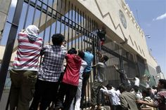 Protesters storm U.S. embassy in Yemen - Conservative News