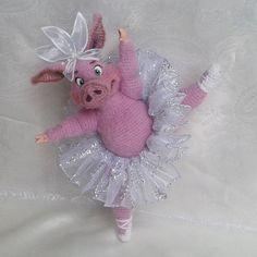 Irresistible Crochet a Doll Ideas. Wonderfully Creative Crochet a Doll Ideas. Easy Crochet Projects, Bear Toy, Free Crochet, Free Pattern, Crochet Patterns, Dolls, Christmas Ornaments, Holiday Decor, Ideas