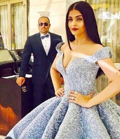 "19.8 mil Me gusta, 61 comentarios - MICHAEL CINCO Dubai (@michael5inco) en Instagram: ""Our managing director Mr. Sayed Ali @sayed5inco with the very beautiful AISHWARYA RAI in Cannes...…"""