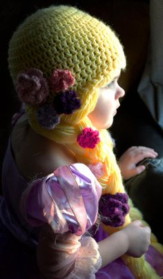 Crochet Rapunzel Hat - Anderson I could make this for Camilla if you go with a princess party :-) Crochet Baby Beanie, Crochet Cap, Crochet Gifts, Rapunzel, Yarn Wig, Crochet Princess, Crochet Costumes, Crochet Disney, Halloween Crochet