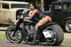 naked girls on motor bikes: 19 тыс изображений найдено в Яндекс.Картинках