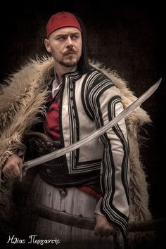 Warrior Costume, Folk Costume, Greek Dancing, Folklore, Traditional Outfits, Independence Day, Fantasy Art, Greece, Improve Yourself