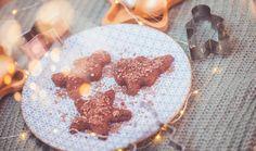 Vánoční cukroví nese cukr přímo v názvu a je těžké si ho představit bez cukru, bez hladké bílé mouky nebo velkého množství másla. Ať už hledáte cukroví bez lepku, pro diabetiky nebo jen chcete vyzkoušet zdravější verzi, máme pro vás hned několik druhů, které si oblíbíte! #recept #cukrovi #vanoce #bezmouky #bezcukru #recipe #bake #christmas #cookies #noflour #glutenfree #sugarfree Cereal, Gluten, Sugar, Breakfast, Food, Morning Coffee, Eten, Meals, Corn Flakes