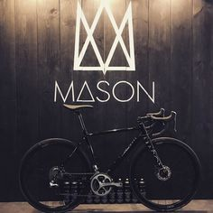We love the @mason_cycles Definition so much that we bought one! Another great product from a small British company  Will post updates of our custom build soon! In the meantime catch the team down @bespokecycling Canary Wharf Expo great guys and lovely bikes   #bikeporn #MakeProgress #MasonCycles #definition #bespokecycling #ridedrivendesign #nothinglikesundays #custombike #cycling #dedacciai #bicycles #ukcycling #baaw by sundays_cc