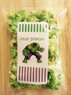 Green apple hulk smash popcorn Birthday Popcorn, Birthday Favors, Hulk Party, Superhero Party, Hulk Birthday Parties, 4th Birthday, Strawberry Popcorn, Hulk 4, White Cheddar Popcorn