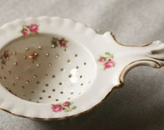 Antique Victoria Austria porcelain tea strainer
