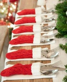 Christmas stockings in table decorations! Christmas Wedding, Christmas Decor, Holiday Decorations, Christmas Decorations, Ornament Crafts, Christmas Wedding Decorations, Christmas Tables, Natal