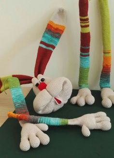 al aire jjjjjj Crochet Bunny Pattern, Crochet Rabbit, Crochet Patterns Amigurumi, Crochet Dolls, Diy Crafts Crochet, Crochet Humor, Diy Scarf, Fabric Toys, Craft Free
