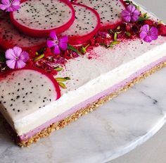 Raw vegan 'cheesecake' with berries and dragon fruit