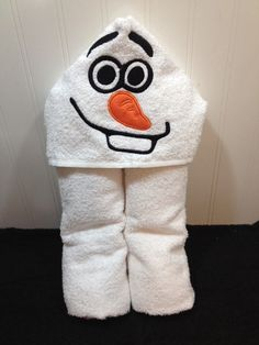 Hooded Towel Olaf Inspired by ProjectsOfSiiPalmer on Etsy Olaf Halloween, Hooded Bath Towels, Little Ones, Hoods, Inspired, Unique Jewelry, Handmade Gifts, Inspiration, Etsy
