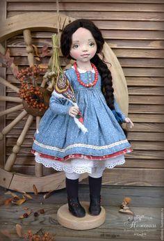 Купить Настенька, текстильная коллекционная кукла - голубой, красный, светло-синий, коллекционная кукла