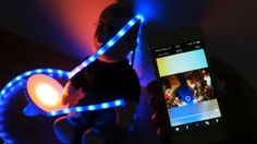 スマホからリボン型・据え置き型LEDライトを遠隔操作、1600万色にカラーを変化させたりタイマーで点灯・消灯などができる「Friends of hue」