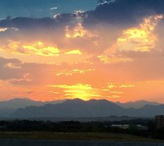 Good morning! Just wanted to share this sunset photo that we captured on the way home from the Denver Urban Market this past Saturday. #sunset #rockymountains #Denver #rock2gems