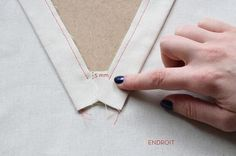 free popover placket and tutorial Sewing Hacks, Sewing Tutorials, Sewing Crafts, Sewing Projects, Coin Couture, Couture Sewing, Techniques Couture, Sewing Techniques, Sewing Clothes