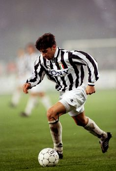 71cdc8e19f2 11 Best Juventus images | Football players, Football soccer, Soccer ...