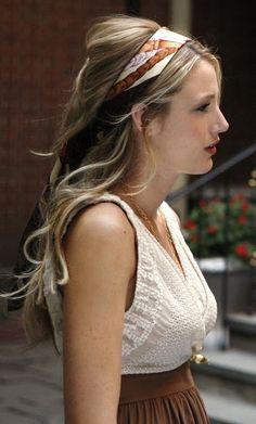 Season 1 - Serena with a Chanel scarf
