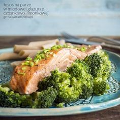 Steamed salmon with honey-soy-lime glaze is a perfect idea for a diet dinner! (in Polish) Seafood Recipes, Cooking Recipes, Honey Salmon, Broccoli, Lime, Healthy Eating, Beef, Dinner
