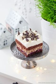 Piernikowy Kasztanek to pierwsza słodka propozycja na tegoroczne Święta. Kakaowo piernikowy biszkopt skropiony ponczem z nutą pomarańczowego likieru Cointreau, Vanilla Cake, Tiramisu, Ale, Cheesecake, Cupcakes, Sweets, Snacks, Baking, Ethnic Recipes