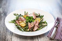 Rezept Salat, Frühlingsrezept, leckerer Salat. Röhrlsalat mit Erdäpfeln, Speck. Rezept Dressing. Salat Rezept. Einfacher Salat.