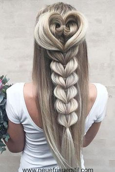 42 Boho Inspired Unique And Creative Wedding Hairstyles 24 Creative & Unique Wedding Hairstyles ❤ Se Unique Wedding Hairstyles, Pretty Hairstyles, Braided Hairstyles, Creative Hairstyles, Hairstyle Ideas, Heart Hairstyles, Everyday Hairstyles, Latest Hairstyles, Night Hairstyles