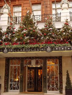 Claridges: London, was founded in 1812 as Mivart's Hotel located in a conventional London terrace house it grew by expanding into neighbouring houses. In 1860 Empress Eugenie made an extended visit and entertained Queen Victoria at the hotel, the reputati Christmas In England, Christmas In The City, London Christmas, Christmas Mood, Noel Christmas, Christmas Shopping, Xmas Holidays, Resorts, English Christmas