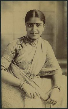 Vintage-Post-Card-of-a-Native-Young-Lady-of-India