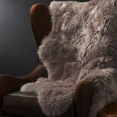 Crate and barrel holiday area rugs 28 Trendy ideas Crate Table, Barrel Table, Crate And Barrel, Ikea Dog, Extra Large Dog Crate, Dog Crate Furniture, Interior Design Advice, Custom Drapes, Crate Paper