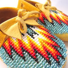 Image of Beaded Baby Moccasins (Fire) Native American Baby, Native American Fashion, Beaded Moccasins, Baby Moccasins, Native American Earrings, Native American Beadwork, Baby Boots, Baby Girl Shoes, Baby Kind