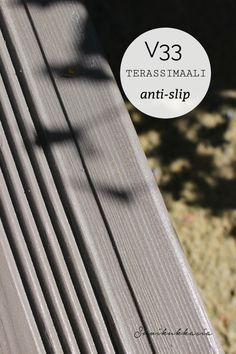 Suvikukkasia: Terassin ja portaiden maalaus - V33