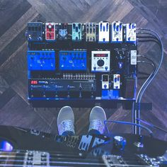 Finally got my board setup. It's going to be so much fun. So here's the typical P&W shot. But with sneakers