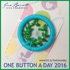 Day 136: Laurel Wreath #onebuttonaday by Gina Barrett