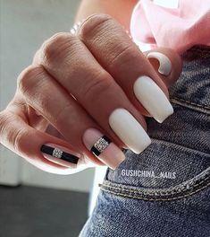 Winter Nails Designs - My Cool Nail Designs Glam Nails, Hot Nails, Nail Manicure, Nail Art Designs, Square Nail Designs, Ongles Bling Bling, Bling Nails, Minimalist Nails, Nail Swag