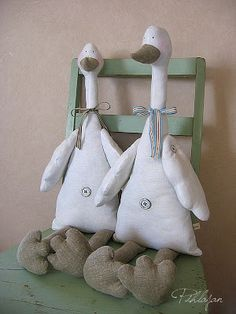 Amazing Home Sewing Crafts Ideas. Incredible Home Sewing Crafts Ideas. Easter Crafts, Fun Crafts, Diy And Crafts, Fabric Animals, Fabric Birds, Sewing Crafts, Sewing Projects, Craft Projects, Handmade Toys
