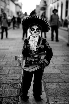 fotosoaxaca:  Mariachi en Oaxaca. Foto © Jorge Santiago