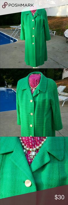Vintage Car Coat Reposh! I love the color but unfortunately it just didn't look that great in me. Jackets & Coats Pea Coats