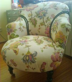 Estofos, como renovar assentos amovíveis e de molas  Veja mais em http://www.comofazer.org/casa-e-jardim/bricolage/estofos-como-renovar-assentos-amoviveis-e-de-molas/