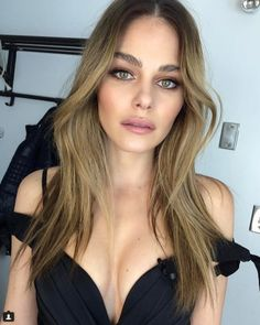Meanwhile, in Canada… Photos) Nude Makeup, Beauty Makeup, Hair Makeup, Hair Beauty, Down Hairstyles, Girl Hairstyles, Wedding Hairstyles, Marie Pier Morin, Perfect Eyes
