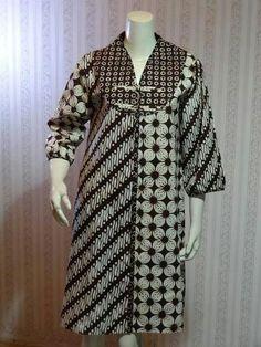 Hwha Blouse Batik, Batik Dress, Batik Fashion, Hijab Fashion, African Fashion Dresses, African Dress, Dress Batik Kombinasi, Churidhar Designs, Casual Formal Dresses
