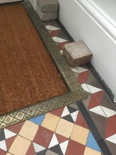 Recessed doormat with brass surround Victorian Hallway Tiles, Tiled Hallway, Floor Mats, Tile Floor, Office Doors, Encaustic Tile, Vestibule, Doormat, Stencil
