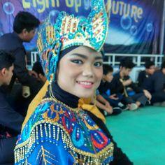 Makeup traditional dancer