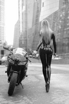 Mortorcycle girl - Miladies.net