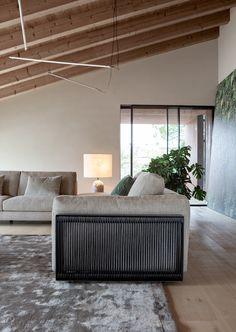 Leonard sofa – flexteam Sofa Bed Armchair, 2 Seater Sofa, Furniture Showroom, Modular Design, Bespoke Design, Sofa Design, Cool Suits, Sofas, Lounge